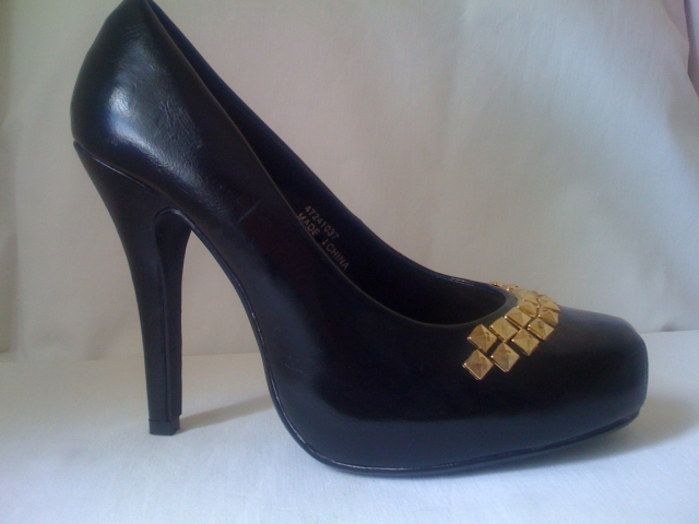 hidden platform pumps heels