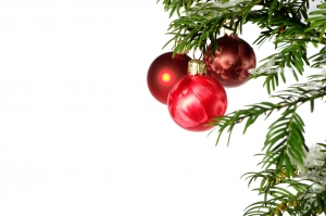christmastree-with-ornaments-1409182-m